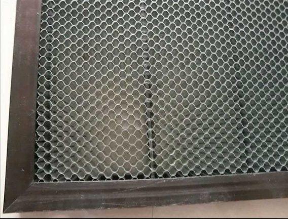 """- verrijdbare laser graveer en snij machine 70x50 cm """"MONICA"""""""